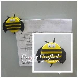 Foam Bee Fridge Magnet / Note Holder